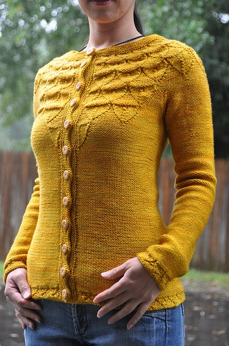 A perfect fall cardigan from twistcollective.com